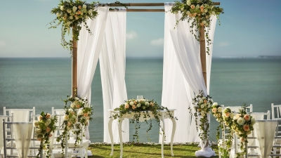 Beach Wedding in Bali at Four Seasons Resort Jimbaran Bay