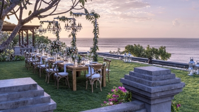 Bali Sunset Wedding at Four Seasons Resort Jimbaran Bay