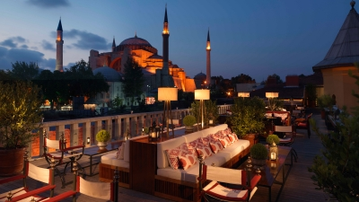Outdoor Dining at Seasons Restaurant, Four Seasons Hotel Istanbul at Sultanahmet