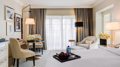 LA Hotel Promotes Old HollywoodStyle Interior Design at Four Seasons