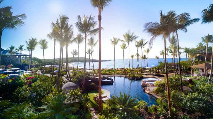 Four Seasons Resort Lanai Grounds