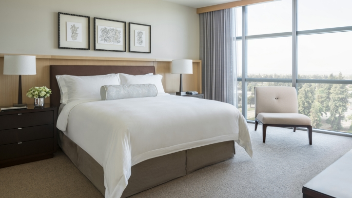 Guest Room - Four Seasons Hotel Silicon Valley at East Palo Alto