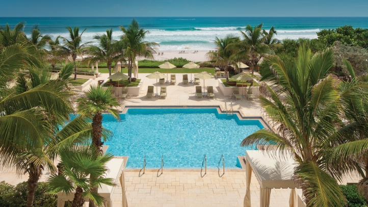 Four Seasons Palm Beach Pool