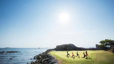 Coastal Running for Global Wellness Day 2017 at Four Seasons