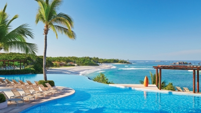 Oceanfront Infinity Pool at Four Seasons Resort Punta Mita