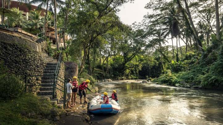 Four Seasons Resort Bali At Sayan Launches Island S First Hotel Arrival By River Raft