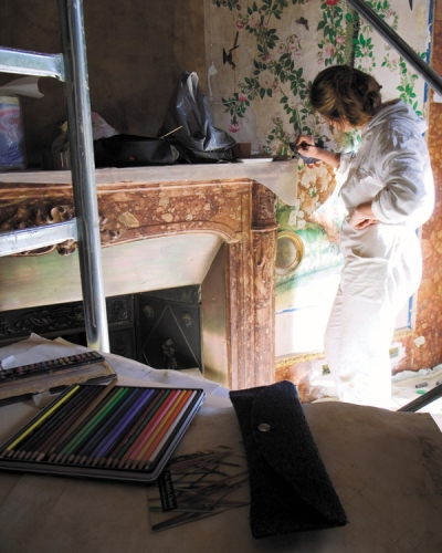Artist is painting at Parco della Gherardesca, Four Seasons Hotel Firenze